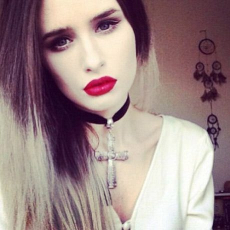 Rachel-Georgina-wears-Hellaholic-Bold-Skull-Cross-Necklace
