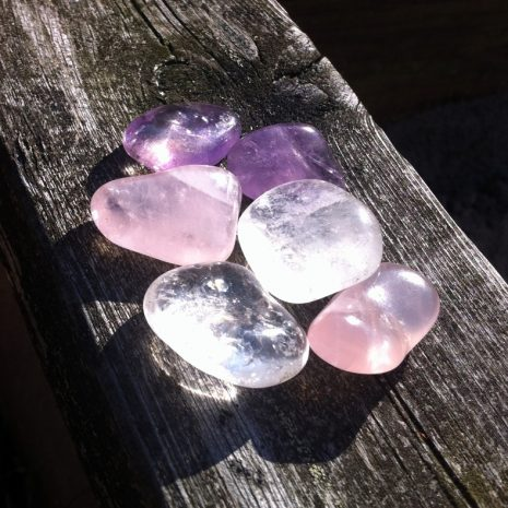 crystal-pouch-stones