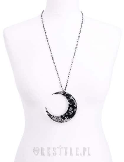 xl-crescent-moon-necklace-on-doll-restyle