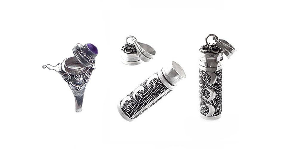 silver-crescent-poision-box-pendant