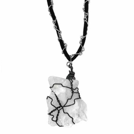 stone-cloud-necklace-close-up