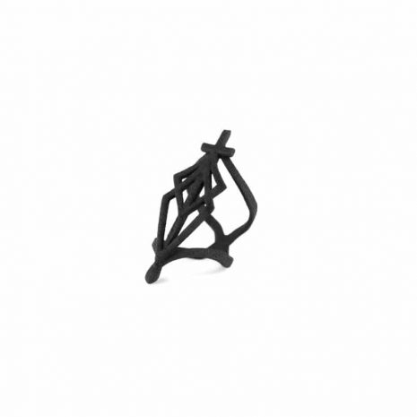 spidersilk-blade-ring-in-black-rogue-and-wolf-2