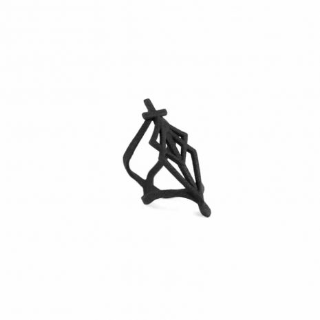 spidersilk-blade-ring-in-black-rogue-and-wolf-3