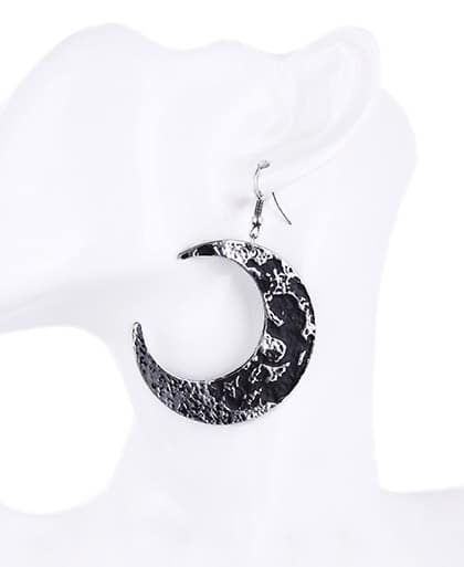 moon-crescent-earrings-restyle-doll
