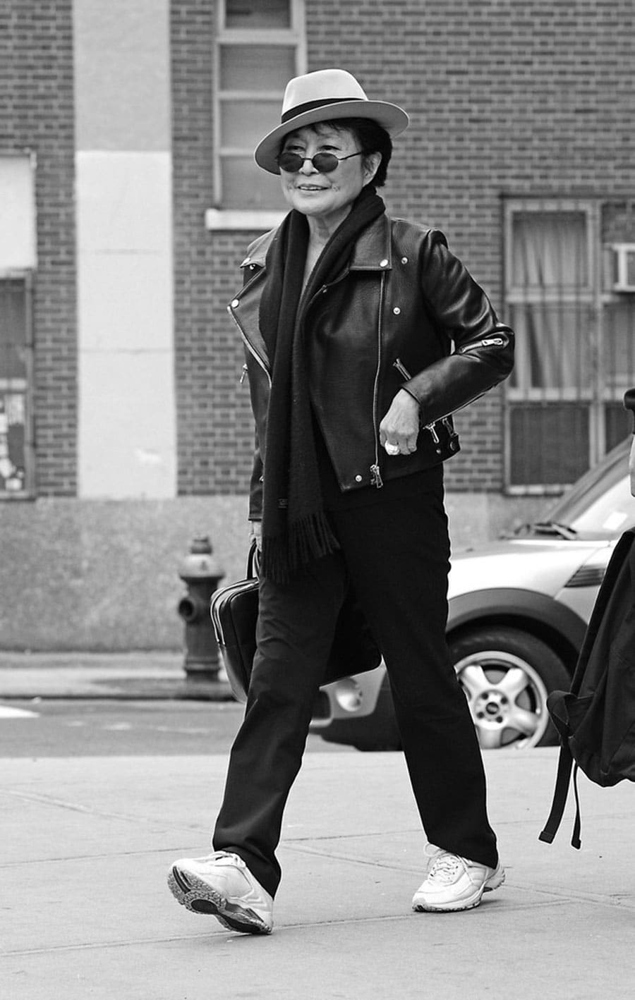 yoko-ono-leather-jacket-style