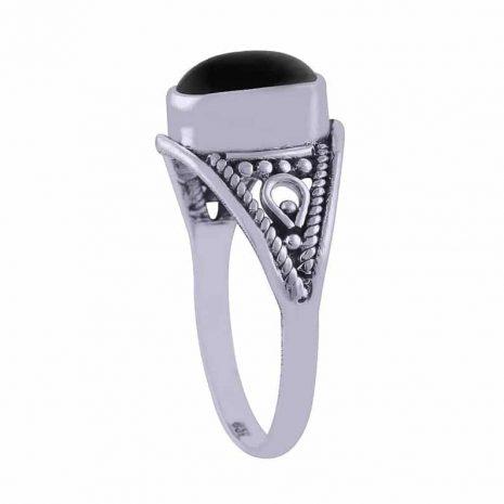annia-silver-onyx-ring-side