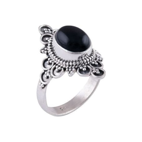 Ariana-silver-onyx-ring-side