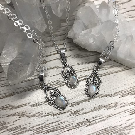 neeve-sterling-silver-moonstone-pendant-in-silver-chain-by-hellaholics