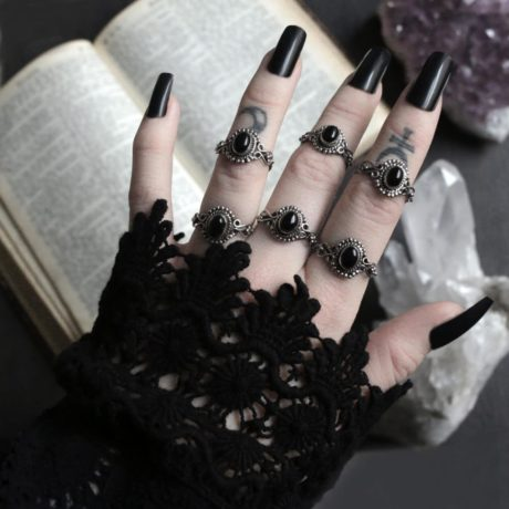 onyx-sterling-silver-rings-by-hellaholics