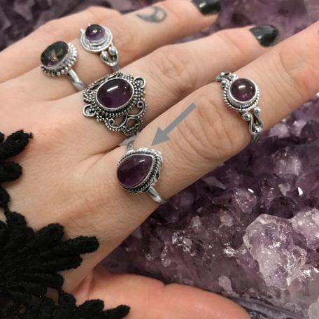 amethyst-sterling-silver-rings-by-hellaholics-cara