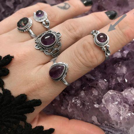 amethyst-sterling-silver-rings-by-hellaholics-chloe