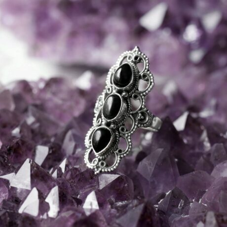 astara-silver-onyx-silver-ring-close-up-hellaholics