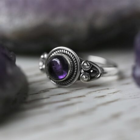 cholette-silver-amethyst-ring-hellaholics
