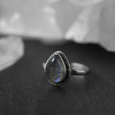 elara-silver-labradorite-ring-hellaholics