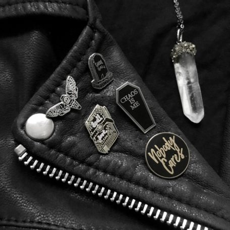 pins-by-punkypins-mysticumluna-lifeclub-necklace-by-hellaholics