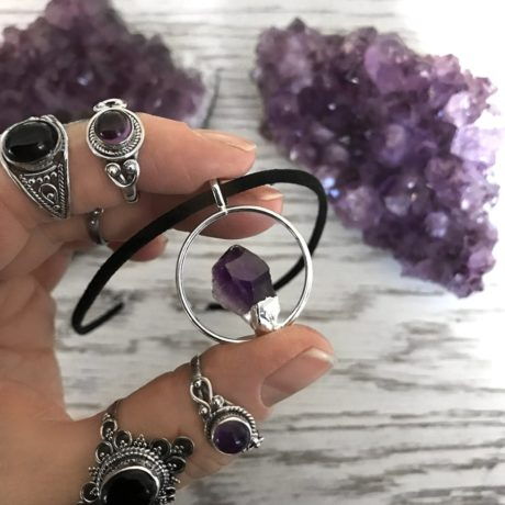 circle-of-life-amethyst-choker-by-hellaholics-hand
