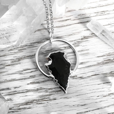 obsidian-arrowhead-large-ring-necklace-by-hellaholics-mood