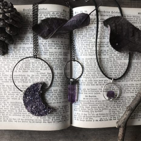 amethyst-necklaces-by-hellaholics