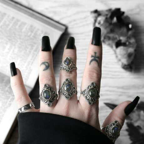 elodia-labradorite-silver-rings-hellaholics (1)