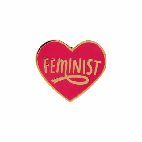 feminist-heart-shaped-pin-punky-pins-pink (kopia)