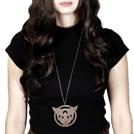 black-magic-cat-wooden-necklace-brown-hellaholics