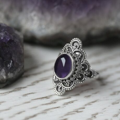 elodia-silver-amethyst-ring-hellaholics-1