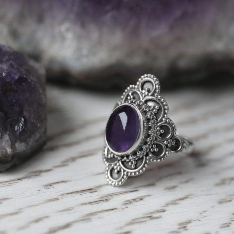 elodia-silver-amethyst-ring-hellaholics-1