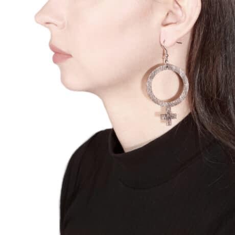 feminist-wooden-earrings-brown-hellaholics