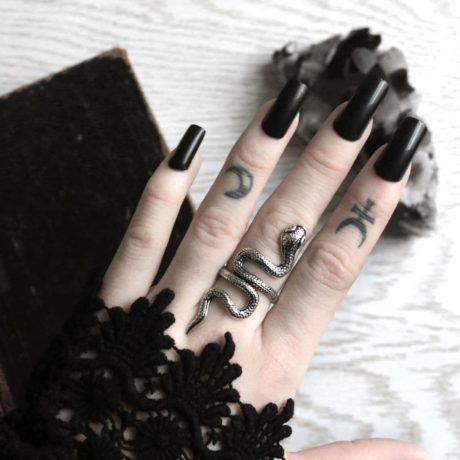 snake-ring-large-hellaholics