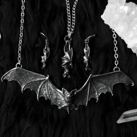 gothic-bat-necklace-alchemy-england-sold-by-hellaholics