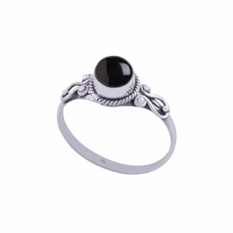 amaya-sterling-silver-onyx-ring-by-hellaholics-1