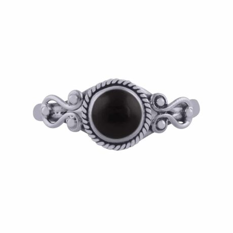 amaya-sterling-silver-onyx-ring-by-hellaholics-2