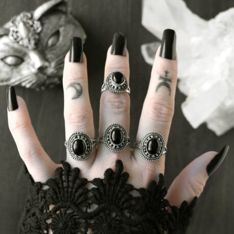 nathalia-silver-onyx-ring-by-hellaholics