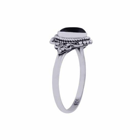 aditi-sterling-silver-ring-onyx-side