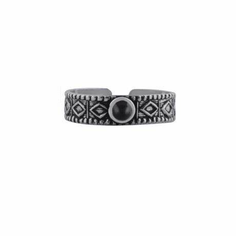 aranza-sterling-silver-mid-ring-onyx-front