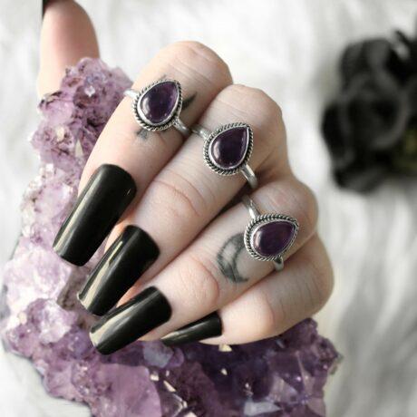 elara-ametyst-silver-rings-hellaholics