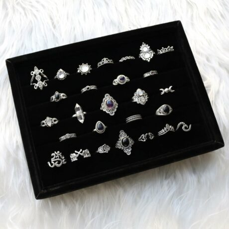 ring-tray-black-velvet-rings