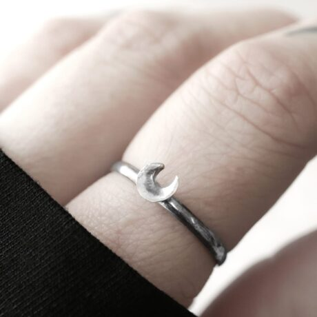 small silver crescent moon ring