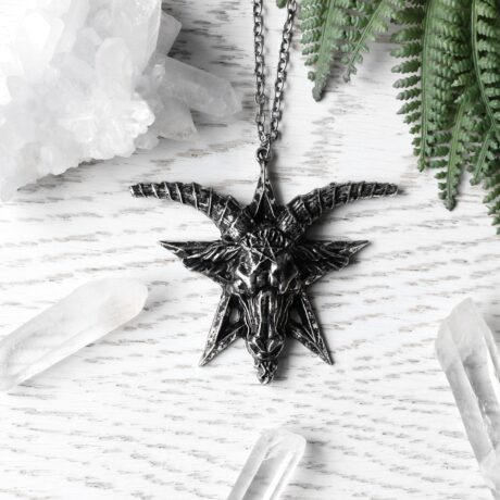batphomet-necklace-silver-close-up-restyle-hellaholics