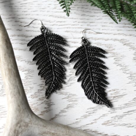 fern-earrings-hellaholics-restyle