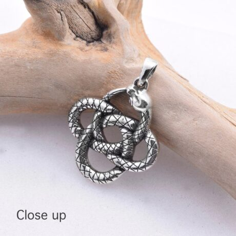 925-silver-coiled-snake-pendant-image-hellaholics.-close-up