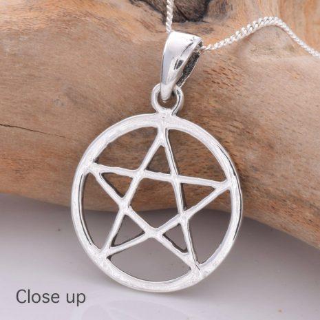 925-sterling-silver-pentagram-pendant-hellaholics-close-up