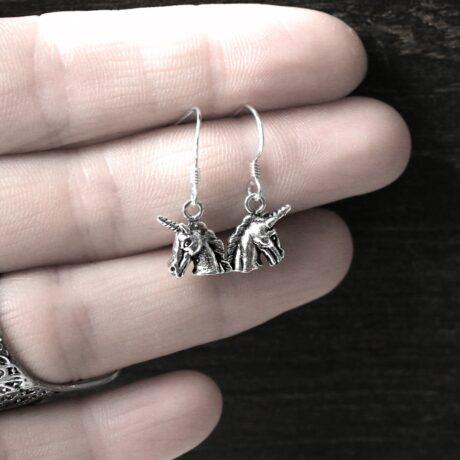 925-sterling-silver-unicorn-hoops-earrings-hellaholics (1)