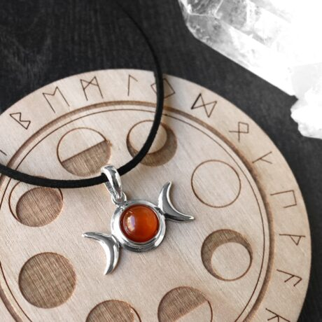 triple-moon-amber-silver-pendant-hellaholics (2)