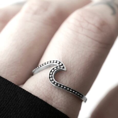 Bohemian wave silver ring in sterling silver.