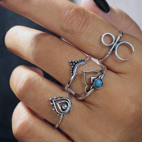 ekala-ring-set-hand