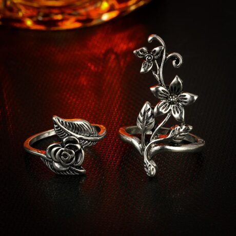 mystic-flowers-ring-set-close-up