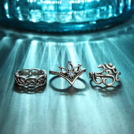 nikara-ring-set-close-up-blue