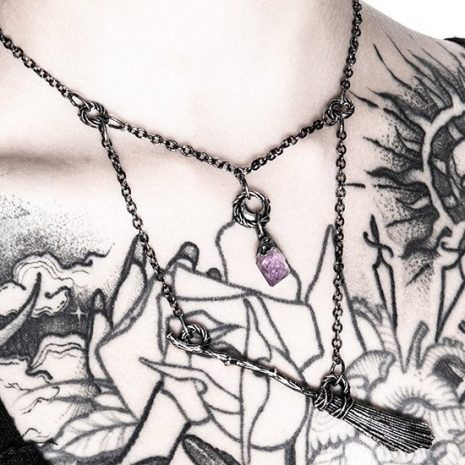 broomstick-necklace-restyle-hellaholics