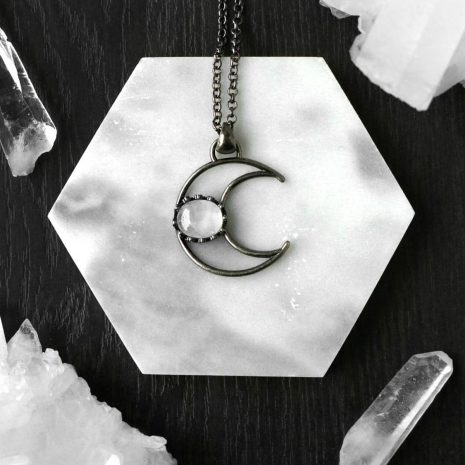 metis-crystal-quartz-crescent-moon-necklace-hellaholics(1)